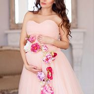 maternity-dress-with-flowers-03.jpg