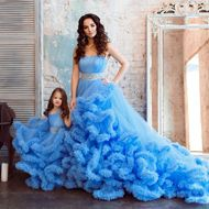 child-dress-blue-cloud-01.jpg